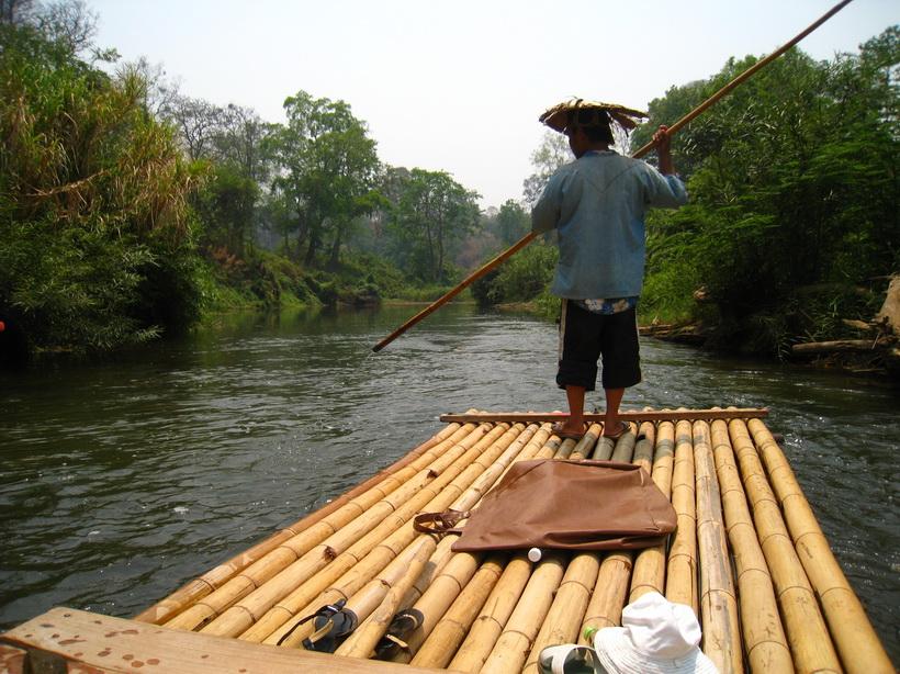 ล่องแพแม่น้ำปิง